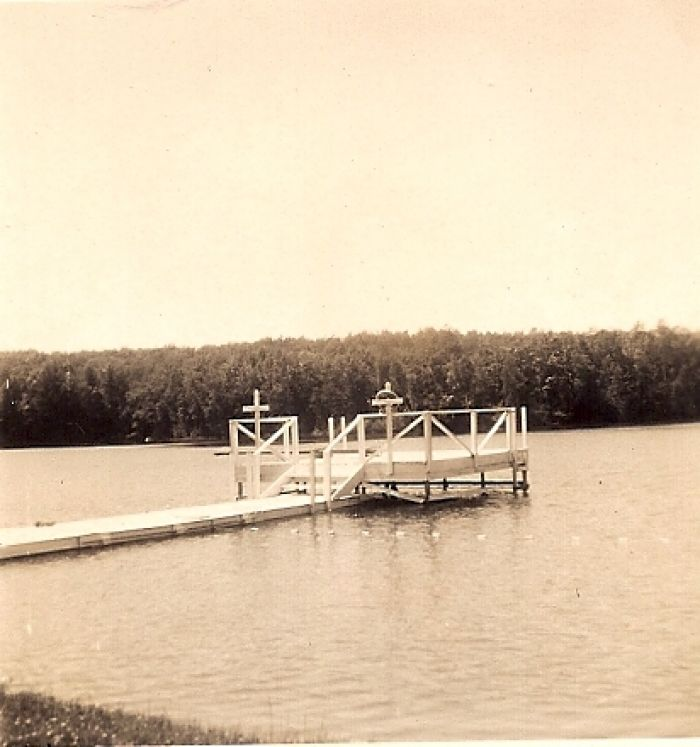 1953redpinedockinwater  large